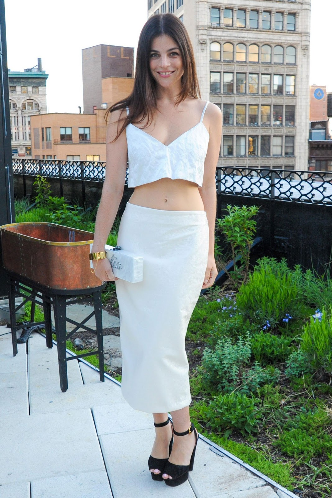 Get the look julia restoin roitfeld