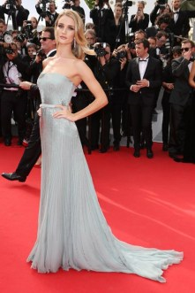 Rosie Huntington-Whiteley Cannes