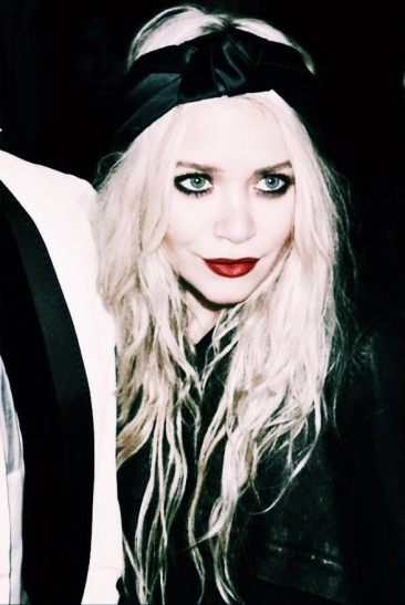 Mary Kate Olsen's goth look, is perfect for a zombie bride vibe.