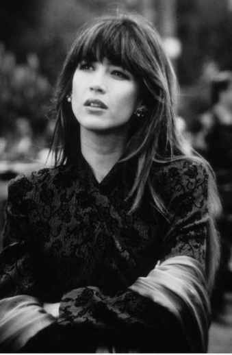 Sophie Marceau smashes this look with her eyebrow grazing bangs
