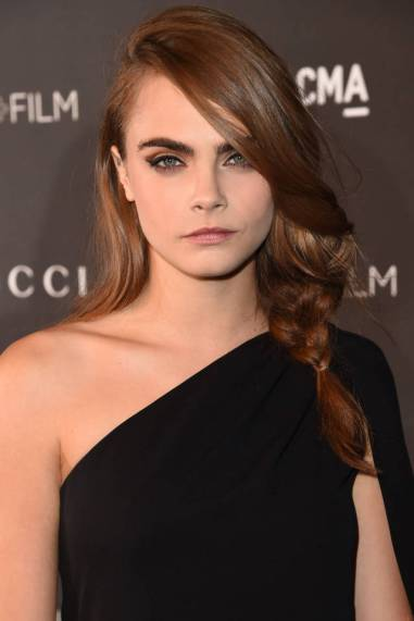 Cara's dishevelled ponytail is the perfect look to rock when your plait inevitably gets messy.