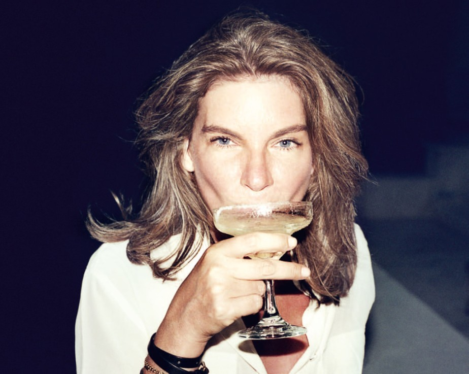 This archived picture of Natalie Massnet is just so cool and proves that the bob at any age doesn't need to look mumst. The margarita definitely helps