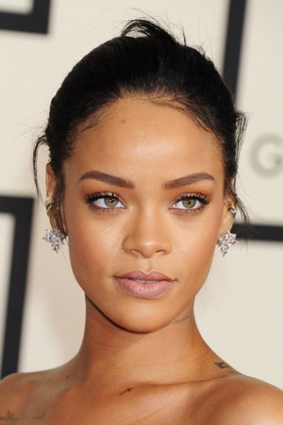 Rihanna Grammys beauty