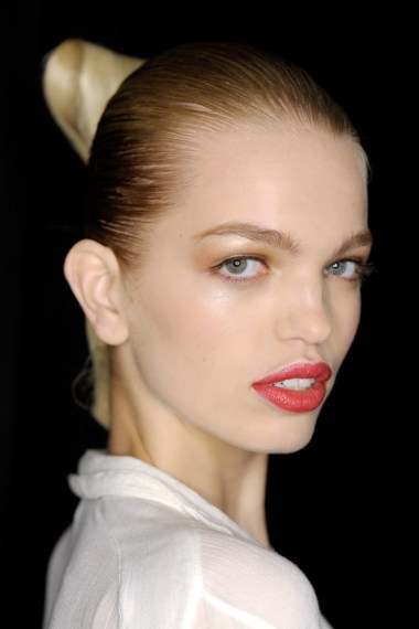 Carolina Herrera SS15 power pout