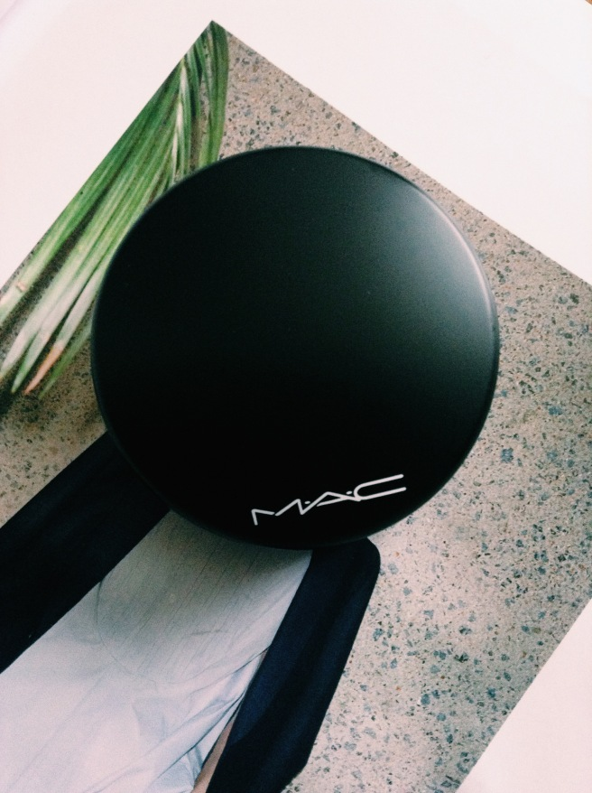 MAC Mineralize skin finish powder