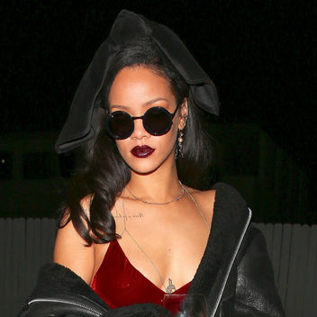 Rihanna-dress-red-velvet