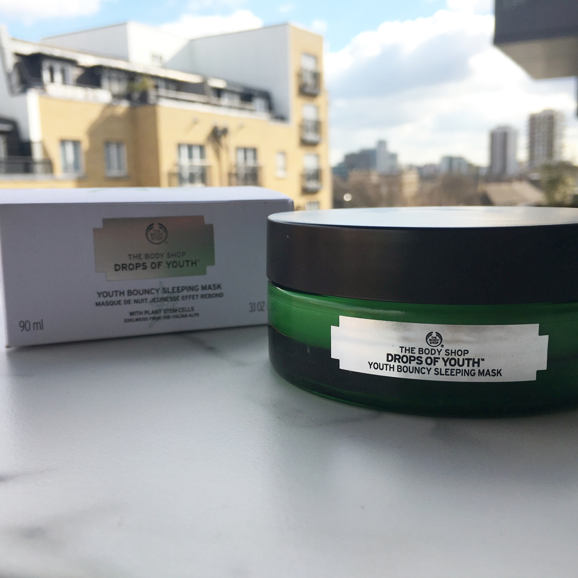 body shop bouncy sleeping mask