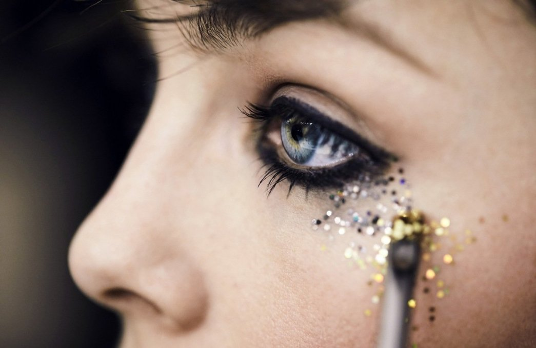 Burberry Glitter How To BLush Tests AW16