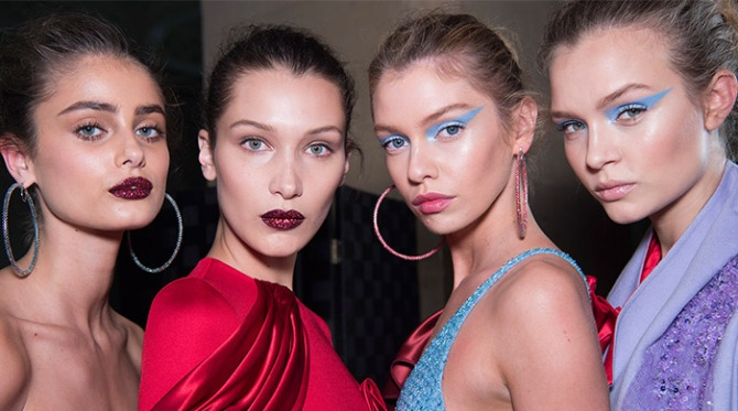 Atelier-Versace-AW16-beauty-look-BAckstage Taylor Hill Bella Hadid Stella MAxwell