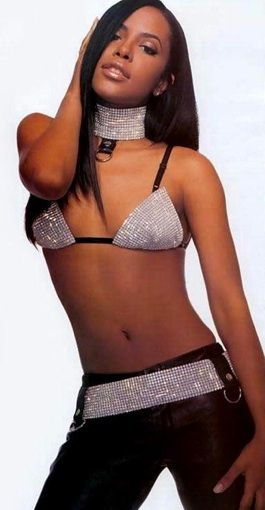 aaliyah-beauty-icon-00s-fashion-sparkle