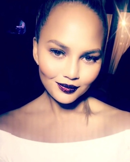 chrissy-teigen-glitter-lips-pat-mcgrath
