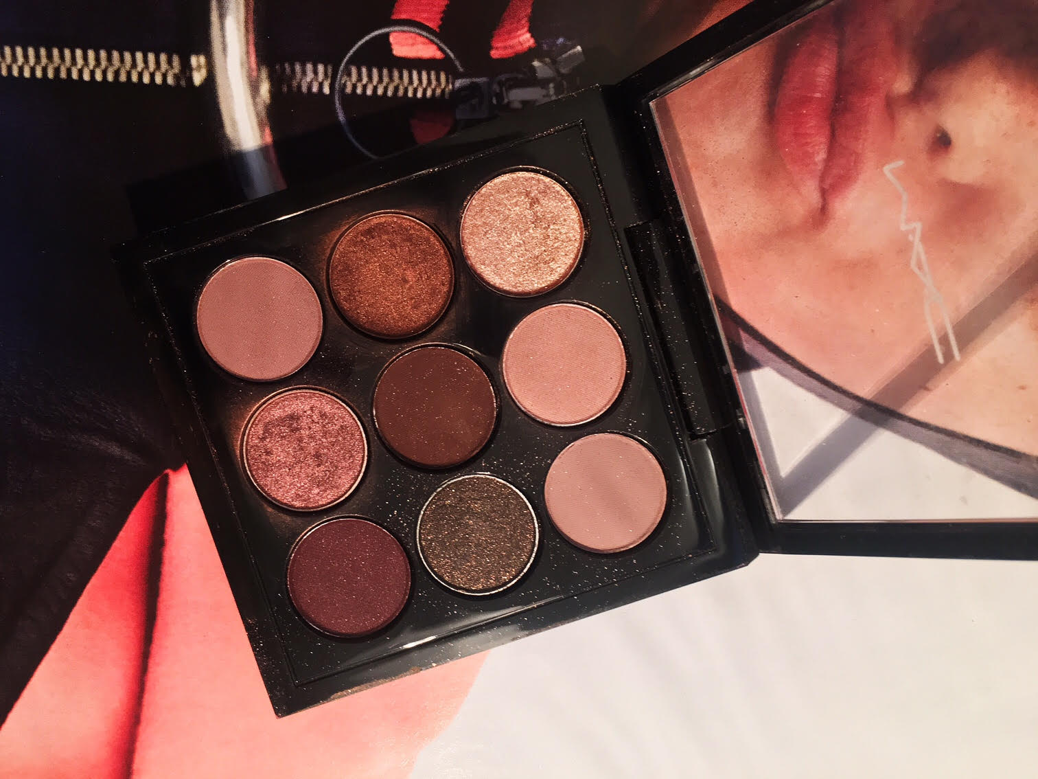 mac-burgundy-times-nine-eyeshadow-palette-review