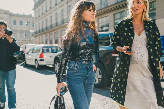 sequins-sequined-top-silver-sequined-turtleneck-mom-jeans-bump-style-evenign-to-day-dressing-evening-to-day-night-to-day-paris-fashion-week-street-style-fall-fashion-miroslava