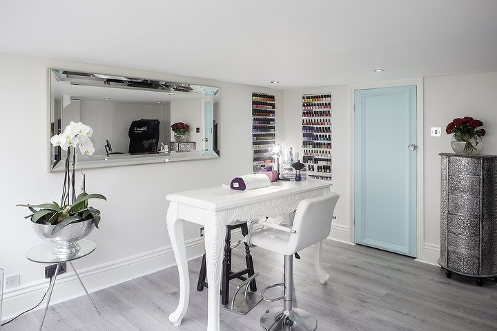 Ashtone Beauty Box - Salon Review - West London- Local Salon