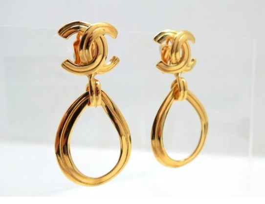 vintacge-gold-chanel-earrings.jpg