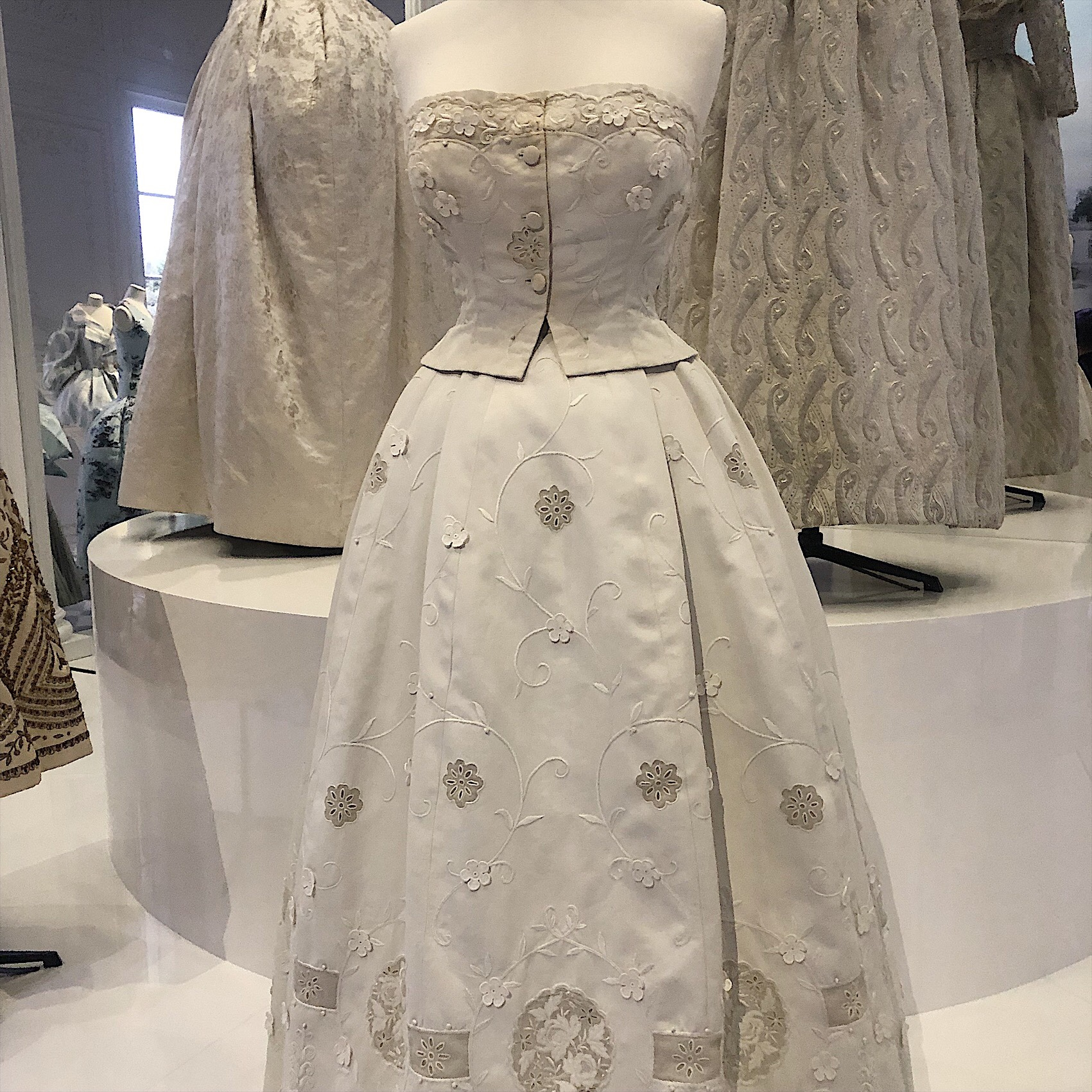 d2ccdced154c The pure white silk brocade sleeveless gown, was a standout favourite and  one that I would wear everywhere, if given the chance. This was pure Dior  fantasy ...
