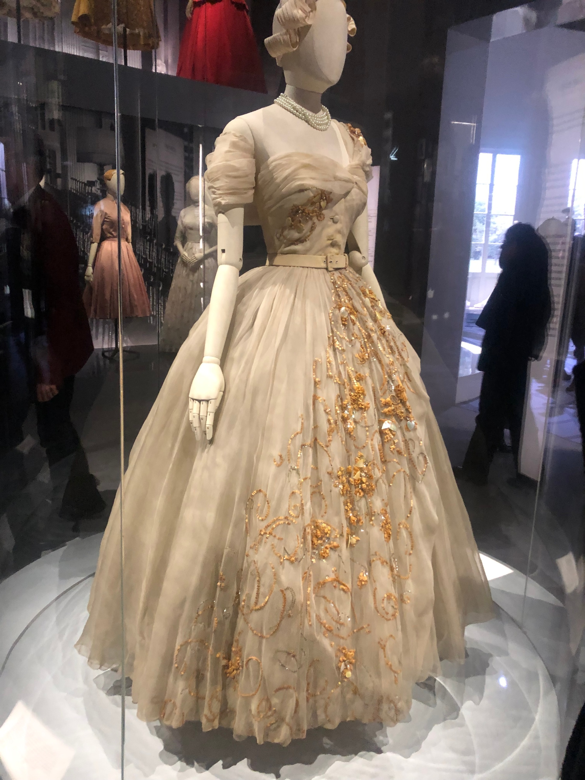 This image has an empty alt attribute; its file name is princess-margaret-dior.jpg